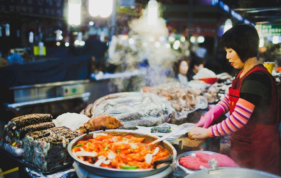 Lee más sobre el artículo La deliciosa comida callejera en Corea del Sur