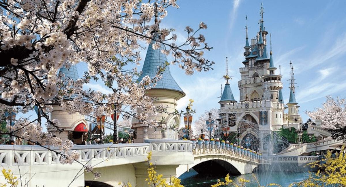 Lee más sobre el artículo Conoce todo sobre el Lotte World en Seúl